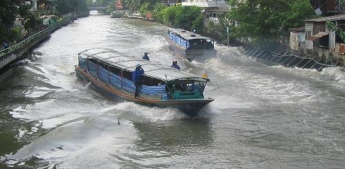 canal_boat.jpg
