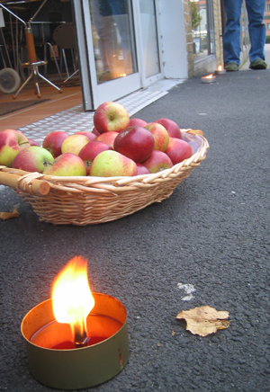candle_apples.jpg