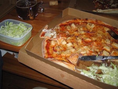 pizza_salad.jpg